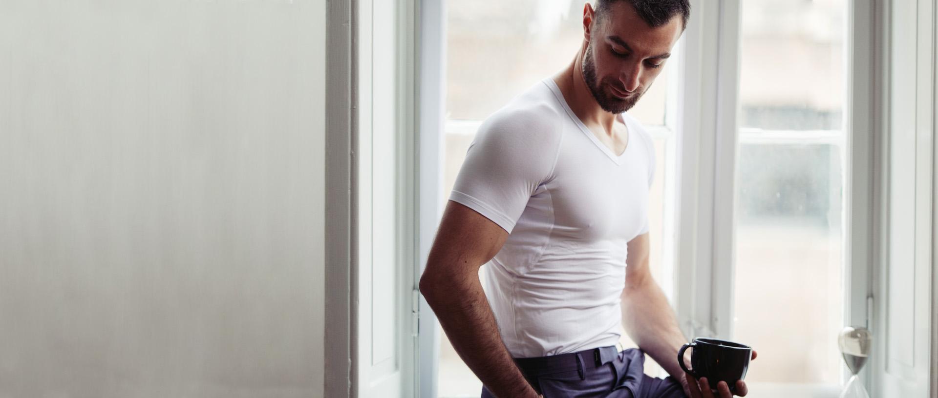 Mann mit Drywear T-Shirt Homepage Slider